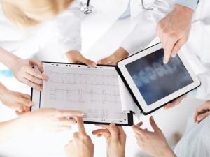 spina-bifida-doctor-nurse-x -ray-charts-graphs | American Pregnancy Association