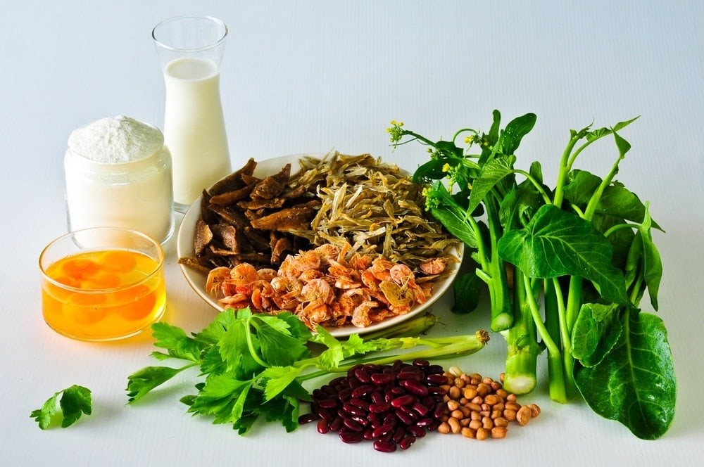 Image of natural foods high in calcium