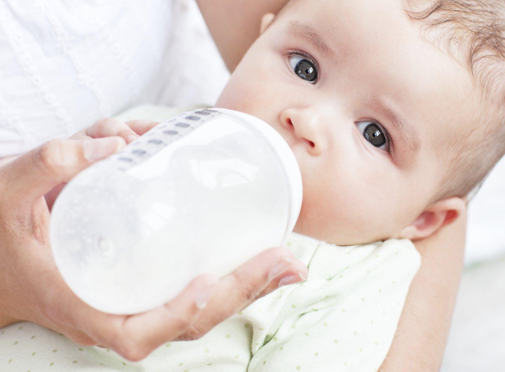 bottle feeding | American Pregnancy Association