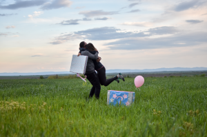 balloon gender reveal | American Pregnancy Association